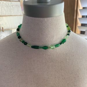 💛 Simple Green Beaded Necklace